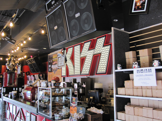 KISS coffee shop
