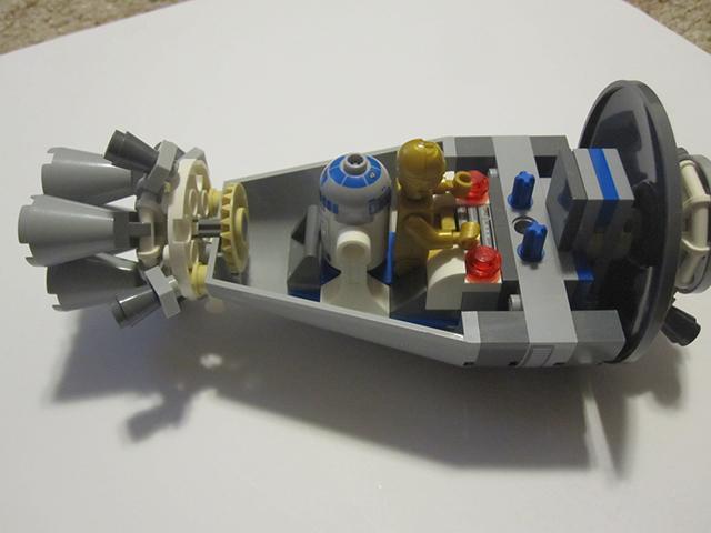 LEGO sw droid escape