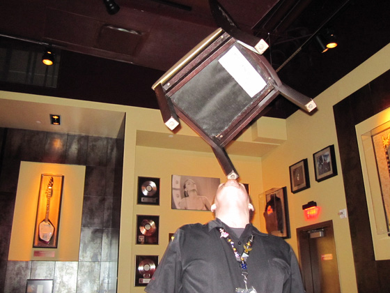 hrc waiter chair